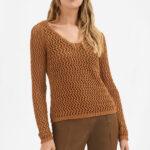 Пуловер в сетку
